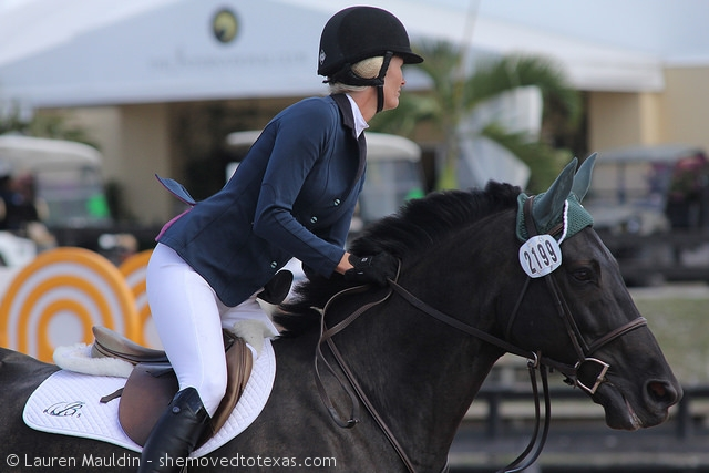 Probably my favorite jacket at WEF.  Classy and pretty!